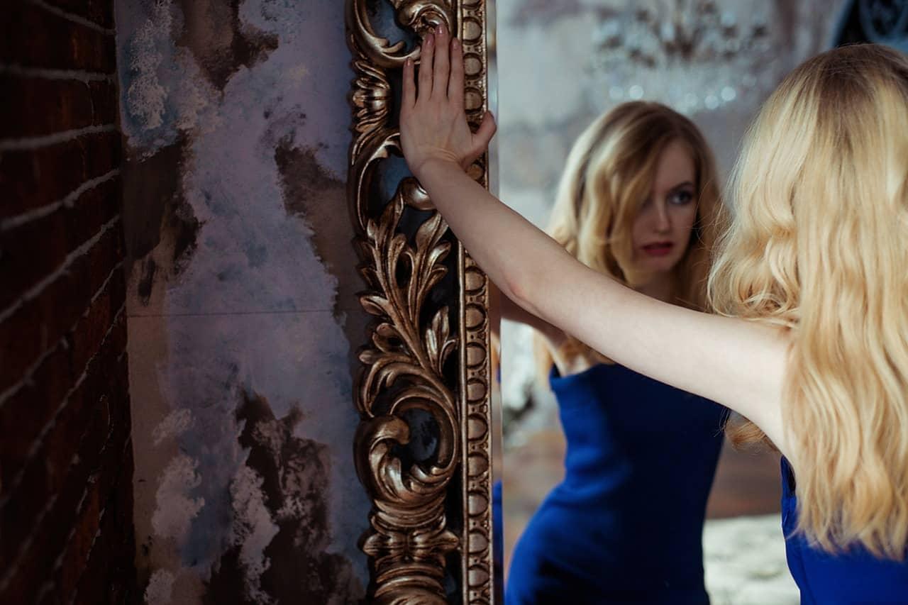 O que significa sonhar com espelho