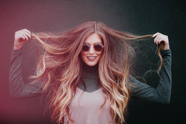 O que significa sonhar com cabelo comprido