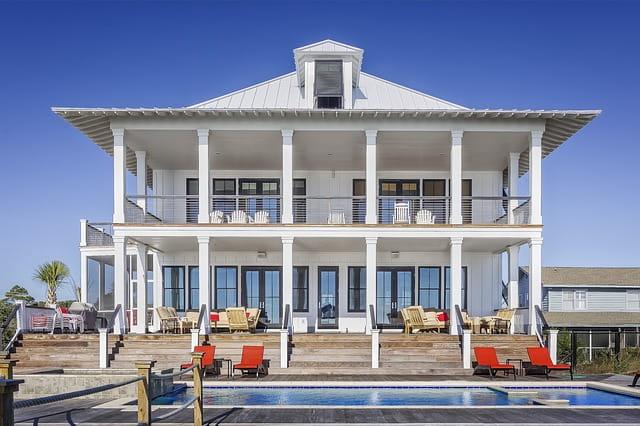O que significa sonhar com casa grande