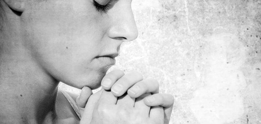 Sonhar com oração o que significa