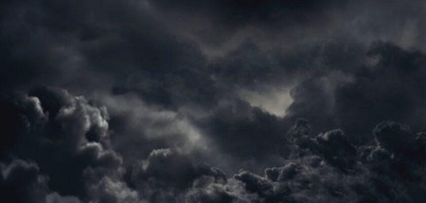 sonhar com nuvens escuras