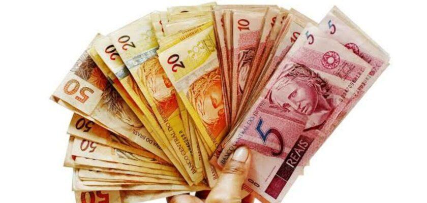 Sonhar com dinheiro de papel significado